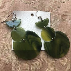 URBAN OUTFITTERS statement earrings